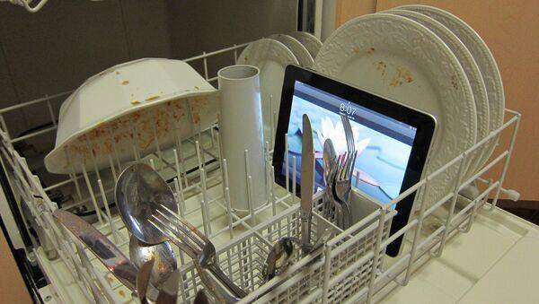Un iPad dans un lave-vaisselle - Sputnik France