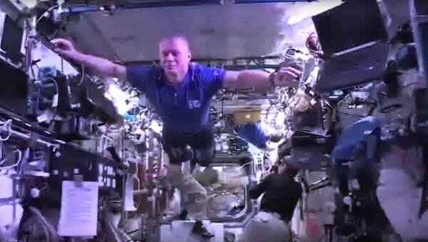 Les astronautes s'amusent - Sputnik France