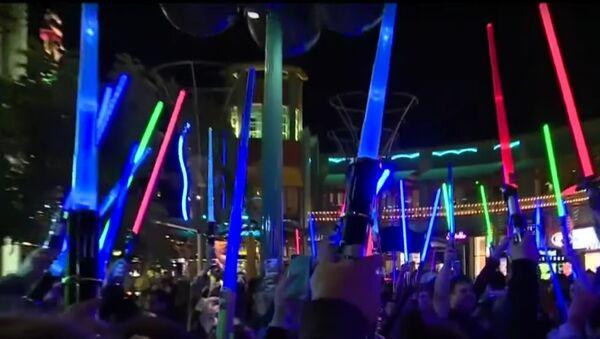 Light Saber Vigil for Carrie Fisher Downtown Disney Disneyland Resort Anaheim, CA - Sputnik France