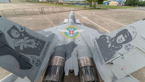 Des MiG-29 russes avec les effigies des pilotes-héros serbes - Sputnik France