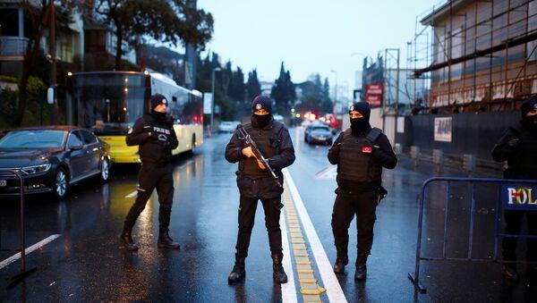 Le bâtiment de la Direction générale de la sécurité pilonné à Istanbul - Sputnik France