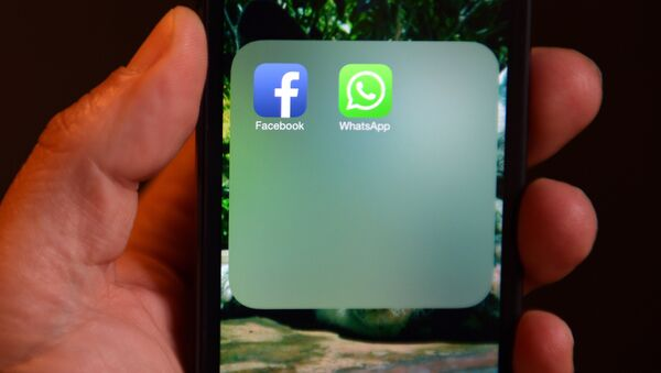 The Facebook and WhatsApp - Sputnik France