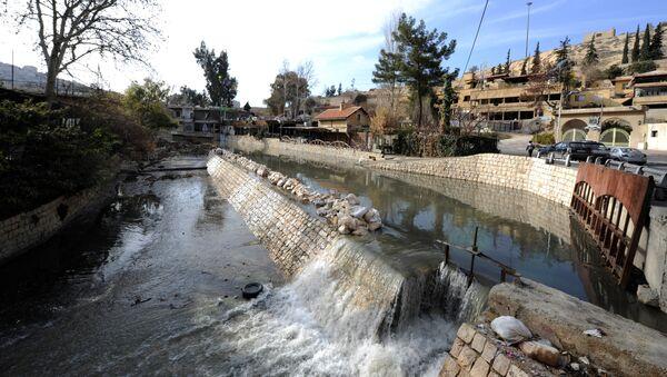 Le fleuve Barada, près de Damas - Sputnik France