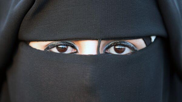 Nike lance un hijab pour les athlètes musulmanes - Sputnik France