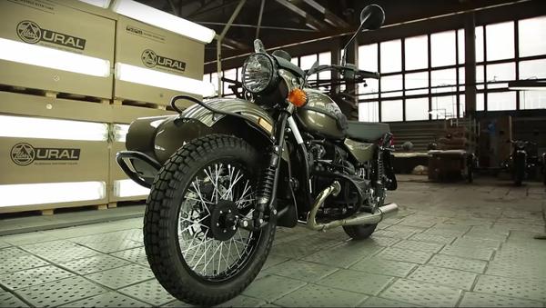 Faites connaissance avec l'Oural, une motocyclette russe - Sputnik France