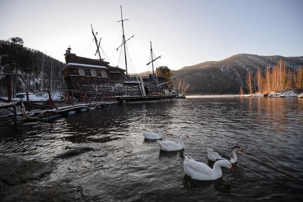 Le navire des pirates des Caraïbes jette l'ancre… en Sibérie! - Sputnik France