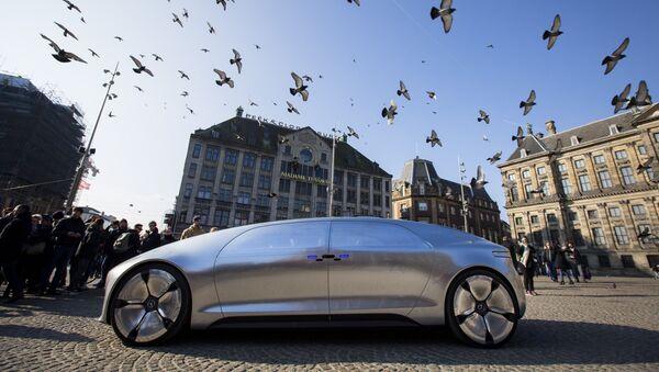 Les voitures autonomes gagnent du terrain à travers le monde - Sputnik France