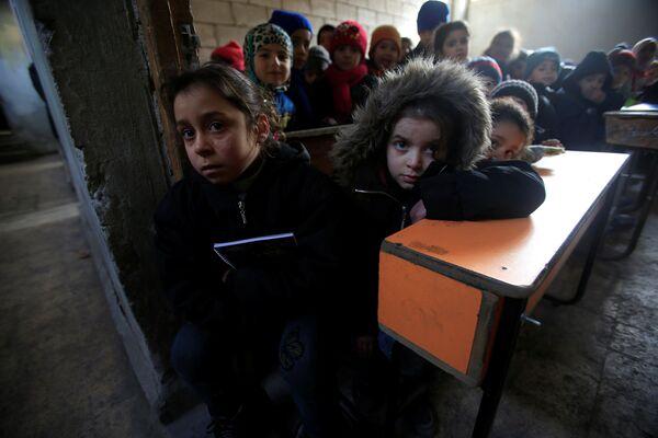 La vie reprend son cours à Alep - Sputnik France