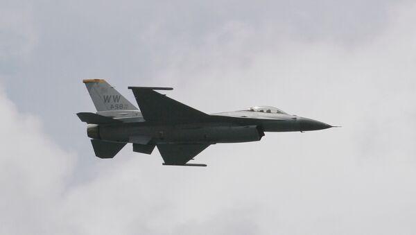Le chasseur F-16 - Sputnik France