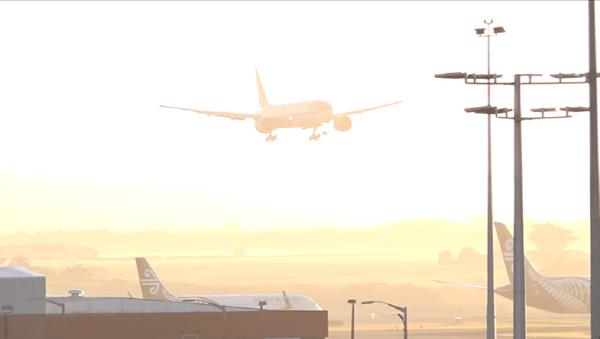 Atterrissage difficile depuis la cabine de pilotage d'un Boeing (vidéo) - Sputnik France