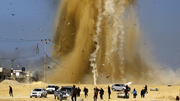 Bande de Gaza: l'aviation israélienne frappe des positions du Hamas - Sputnik France