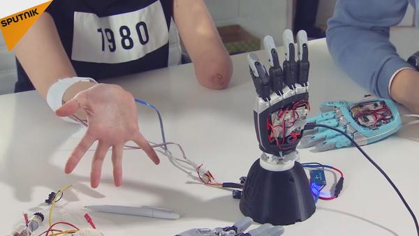 Un ingénieur russe crée une prothèse bionique exceptionnelle - Sputnik France