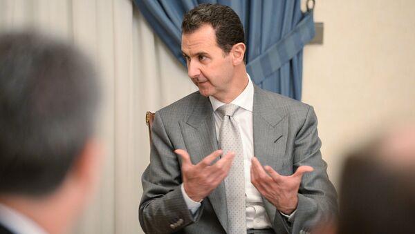 Bashar Assad durante um encontro com o vice-chefe do governo russo no início de 2017 em Damasco - Sputnik France