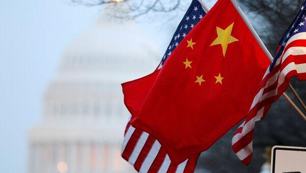 Les drapeaux de la Chine et des États-Unis - Sputnik France