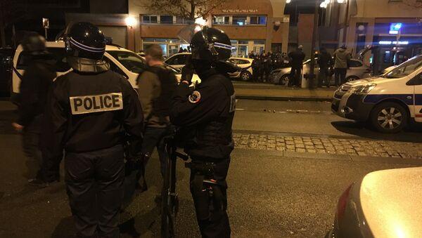 Police lors des émeutes - Sputnik France