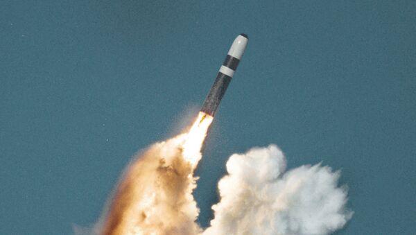 Un Trident II tiré depuis un sous-marin - Sputnik France