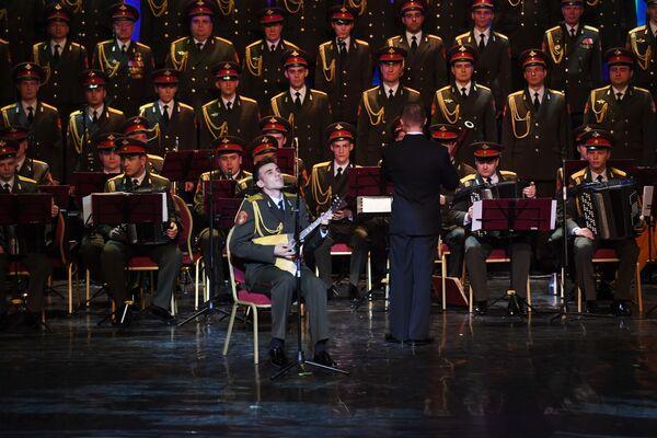 L'Ensemble Alexandrov renaît de ses cendres - Sputnik France