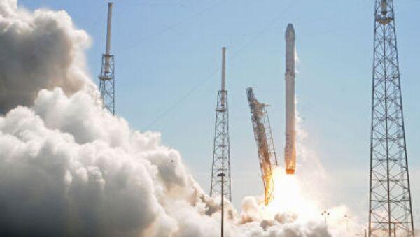 Ракета Falcon 9 стартует с мыса Канаверал - Sputnik France
