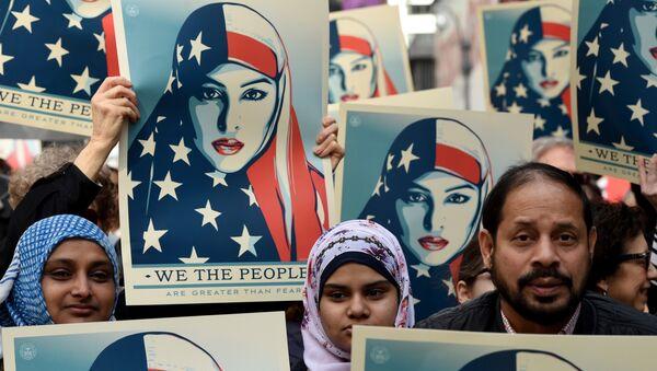 New York: manifestation contre l'islamophobie sur Times Square - Sputnik France