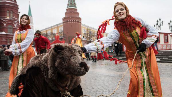 Célébration de Maslenitsa en Russie - Sputnik France