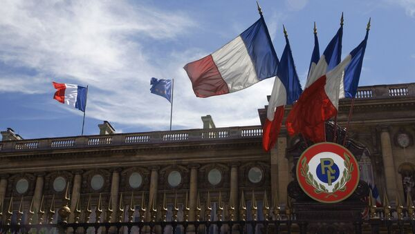 Picture shows French flags and the European flag hauled up, 13 July 2007 on the Foreign affairs minister building in Paris. - Sputnik France
