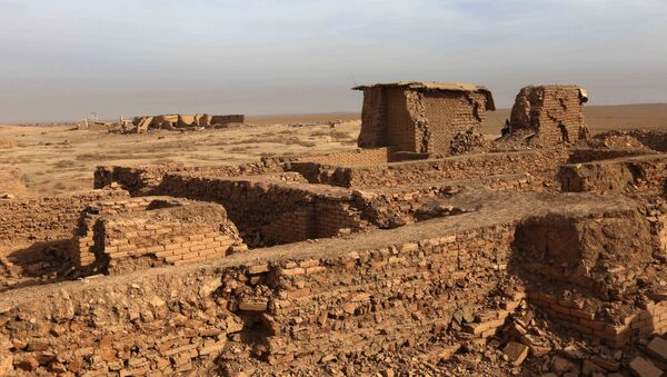 A picture taken on November 15, 2016 shows destruction in the ancient ruins of Nimrud following the recapture by Iraqi forces of the ancient town on the outskirts of Mosul from jihadists of the Islamic State group on November 15, 2016. - Sputnik France