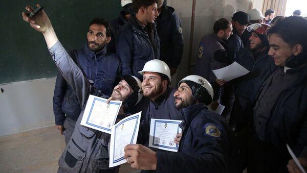 Les Casques Blancs en Syrie - Sputnik France