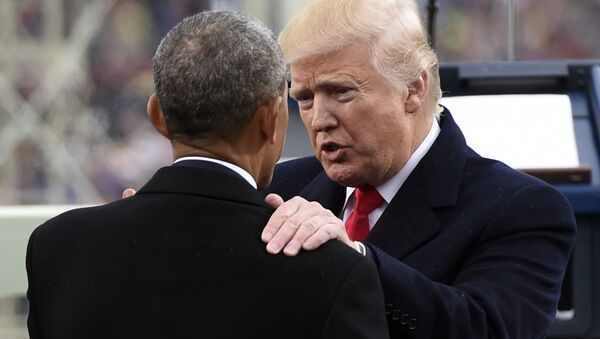 President Donald Trump talks with former President Barack Obama on Capitol Hill in Washington, Friday, Jan. 20, 2017, after Trump took the presidential oath - Sputnik France