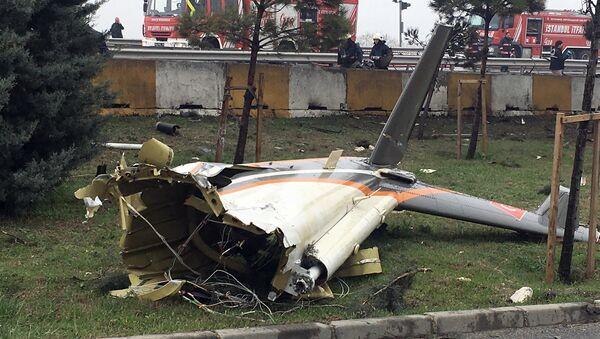 Le lieu de crash d'un hélicoptère S-76 à Istanbul - Sputnik France