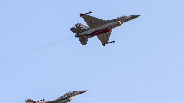 Israelische Jagd-Flugzeuge F-16 - Sputnik France
