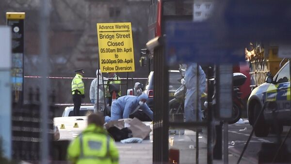 Forensics investigators work at the scene after an attack on Westminster Bridge in London, Britain March 22, 2017. - Sputnik France