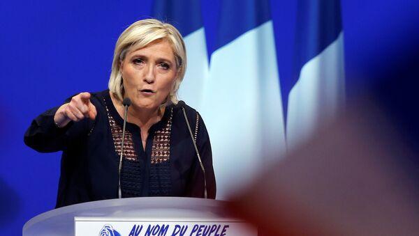 Marine Le Pen prédit «la mort de l'UE» - Sputnik France