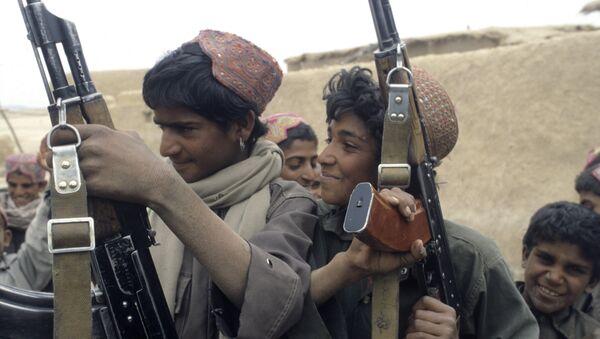 Enfants soldats en Afghanistan - Sputnik France