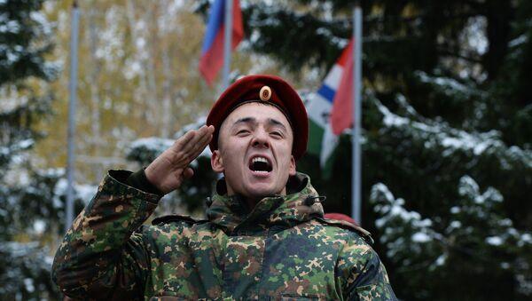 Plongée dans le quotidien des soldats de la Garde russe - Sputnik France
