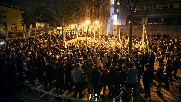 Акция протеста против убийства французскими полицейскими китайца в Париже - Sputnik France