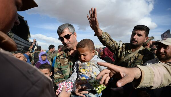 Distribution d'aide humanitaire russe en Syrie - Sputnik France
