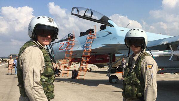 Pilotes russes à Hmeimim - Sputnik France