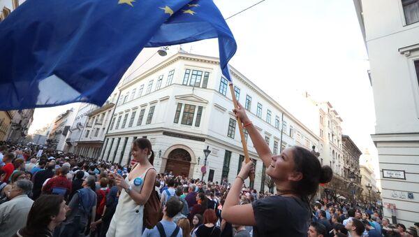 La Hongrie veut stopper Bruxelles et Soros - Sputnik France
