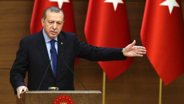 Turkish President Recep Tayyip Erdogan delivers a speech during the 31st Mukhtars (local administrators) meeting at Presidential Complex in Ankara on December 7, 2016. - Sputnik France