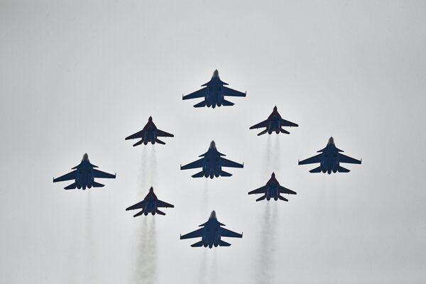 Jour de la Victoire: les avions s'entraînent en vue du show aérien - Sputnik France