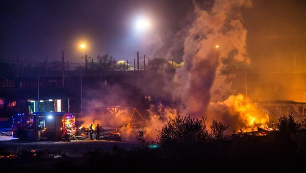 l'incendie qui a détruit le camp de Grande-Synthe - Sputnik France