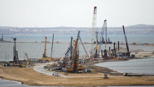 La construction du pont de Kertch en Crimée - Sputnik France