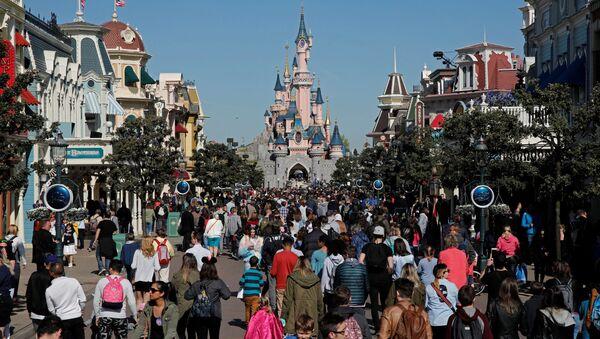 Disneyland Paris lors du 25e anniversaire du parc en avril 2017 - Sputnik France