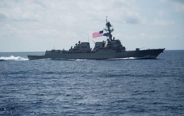 Le 58e destroyer américain de classe Arleigh Burke l'USS Wayne E. Meyer (DDG-108) en mer de Chine méridionale. - Sputnik France