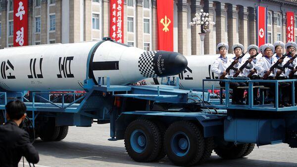 Des équipements militaires démontrés au cours du défilé en Corée du Nord - Sputnik France