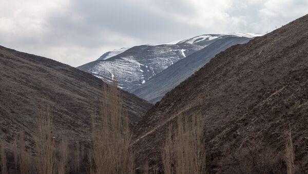 Горный пейзаж в окрестностях иранского города Мешхед - Sputnik France