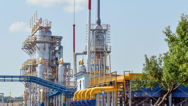 A picture shows a compressor station of Ukraine's Naftogaz national oil and gas company near the northeastern Ukrainian city of Kharkiv on August 5, 2014. - Sputnik France