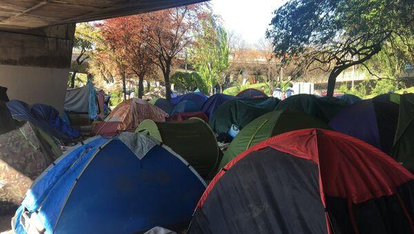 Le campement de migrant de la Porte de la Chapelle à Paris - Sputnik France