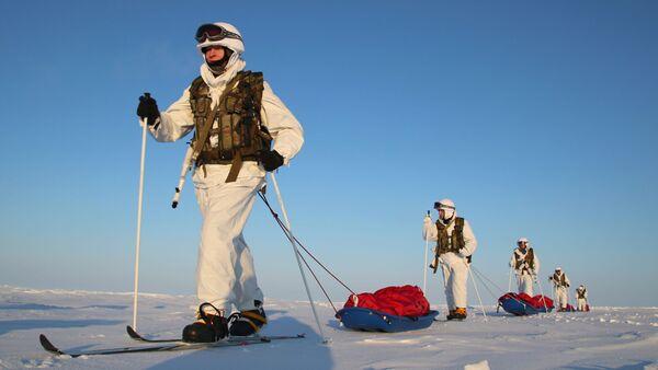 L'expédition de militaires russes au pôle Nord - Sputnik France