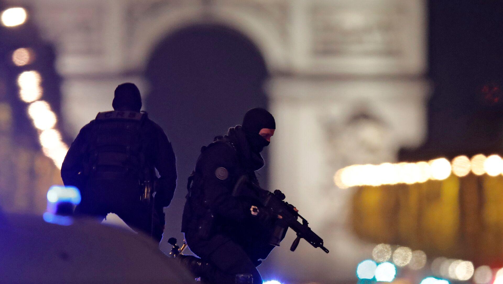 La police au centre de Paris suite à une attaque sur les Champs-Elysées - Sputnik France, 1920, 22.02.2021